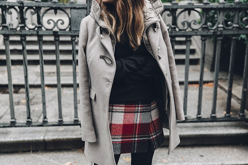 Fay_Coat-Beige_Coat-Checked_Skirt-Blue_Sweater-College_Look-Loafers-Outfit-Street_Style-Collage_Vintage-43
