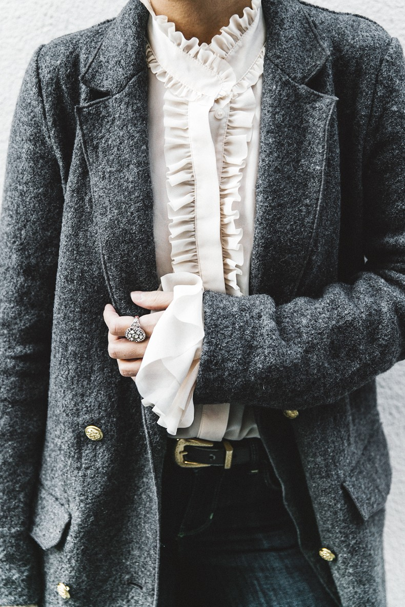 Guggeheim-Grey_Long_Coat-Ruffled_Shirt-Guess_Jeans-Valentino_Shoes-Chanel_Vintage_Bag-Outfit-Look_Of_The_Day-NY-38