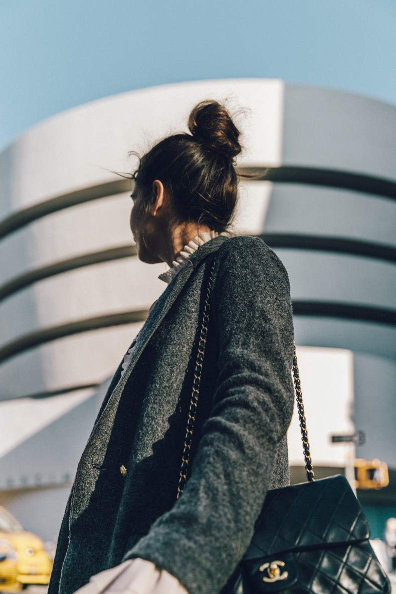 Guggeheim-Grey_Long_Coat-Ruffled_Shirt-Guess_Jeans-Valentino_Shoes-Chanel_Vintage_Bag-Outfit-Look_Of_The_Day-NY-43