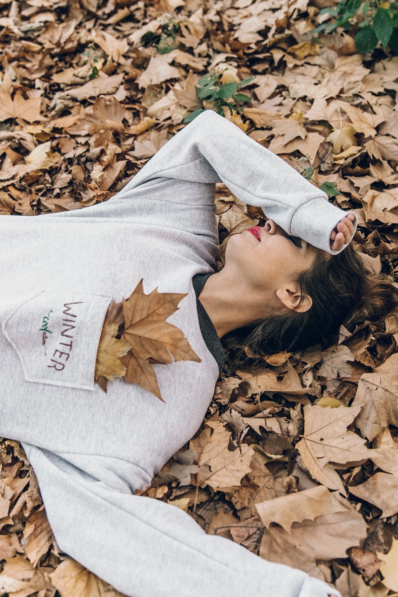 Kaiku_Caffe-Nada_Sabe_Igual-Central_Park-Sweatshirt-Winter-Jeans-Sandro_Sneakers-26