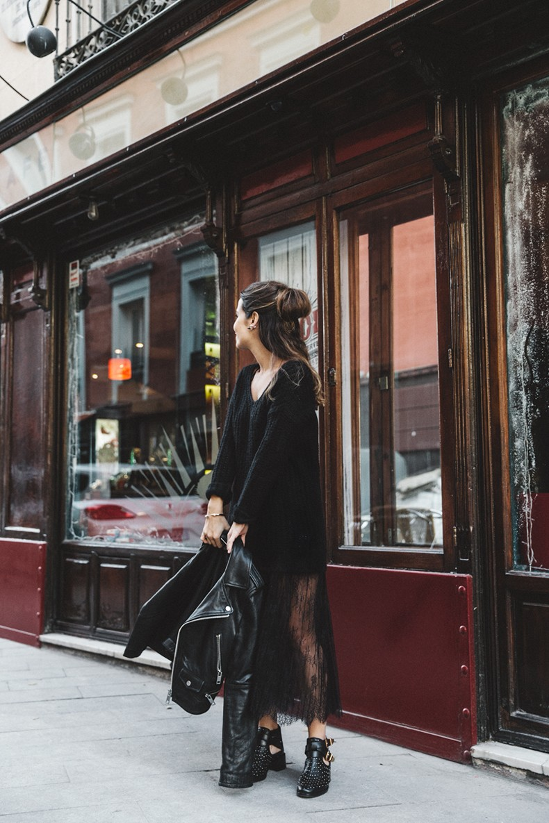 Lace_Skirt-Black-Sweater-Majorica_Jewels-Outfit-Street_Style-1
