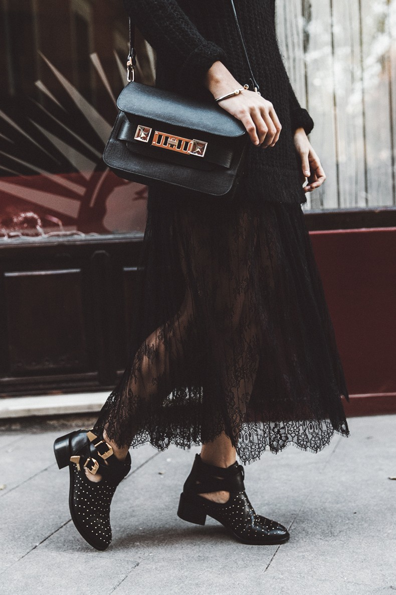 Lace_Skirt-Black-Sweater-Majorica_Jewels-Outfit-Street_Style-6