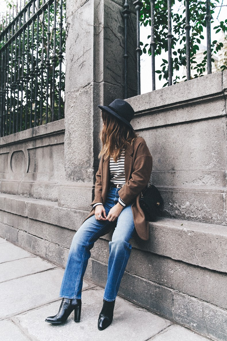 MotherDenim-Cropped_Jeans-Striped_Top-Grey_Hat-Camel_Coat-Black_Booties-Vintage_Belt-Outfit-Street_Style-