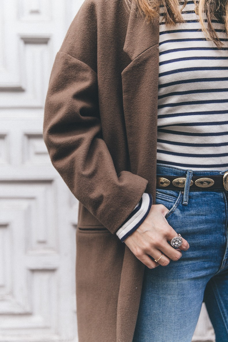 MotherDenim-Cropped_Jeans-Striped_Top-Grey_Hat-Camel_Coat-Black_Booties-Vintage_Belt-Outfit-Street_Style-16