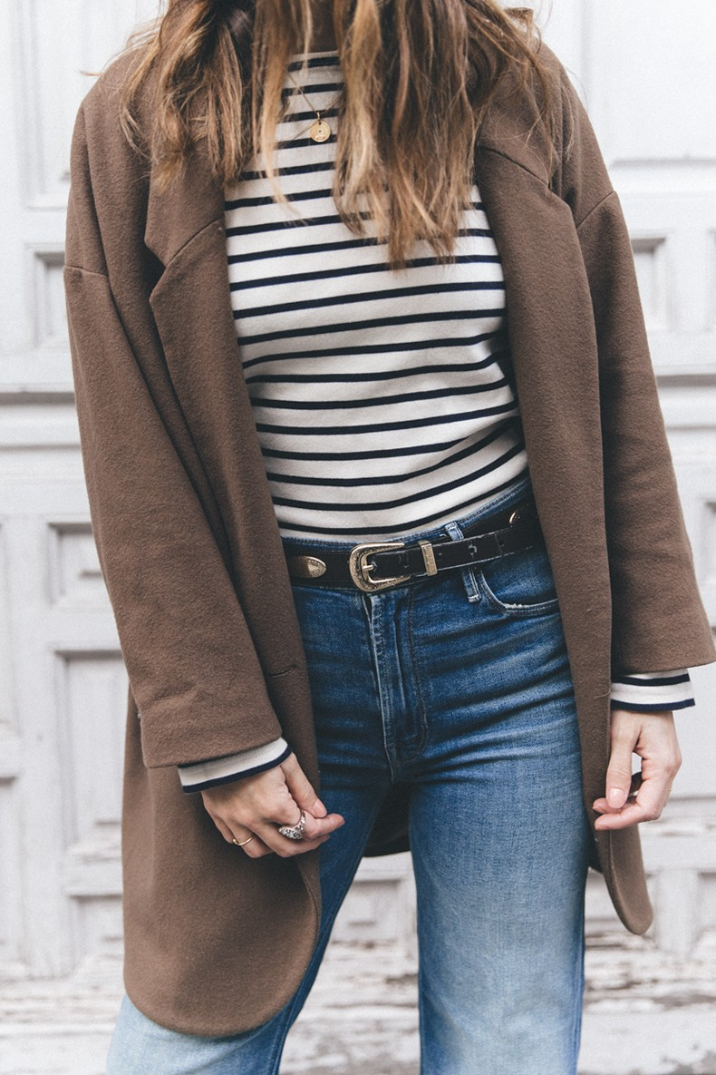 MotherDenim-Cropped_Jeans-Striped_Top-Grey_Hat-Camel_Coat-Black_Booties-Vintage_Belt-Outfit-Street_Style-17