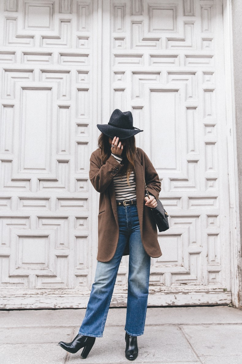 MotherDenim-Cropped_Jeans-Striped_Top-Grey_Hat-Camel_Coat-Black_Booties-Vintage_Belt-Outfit-Street_Style-26