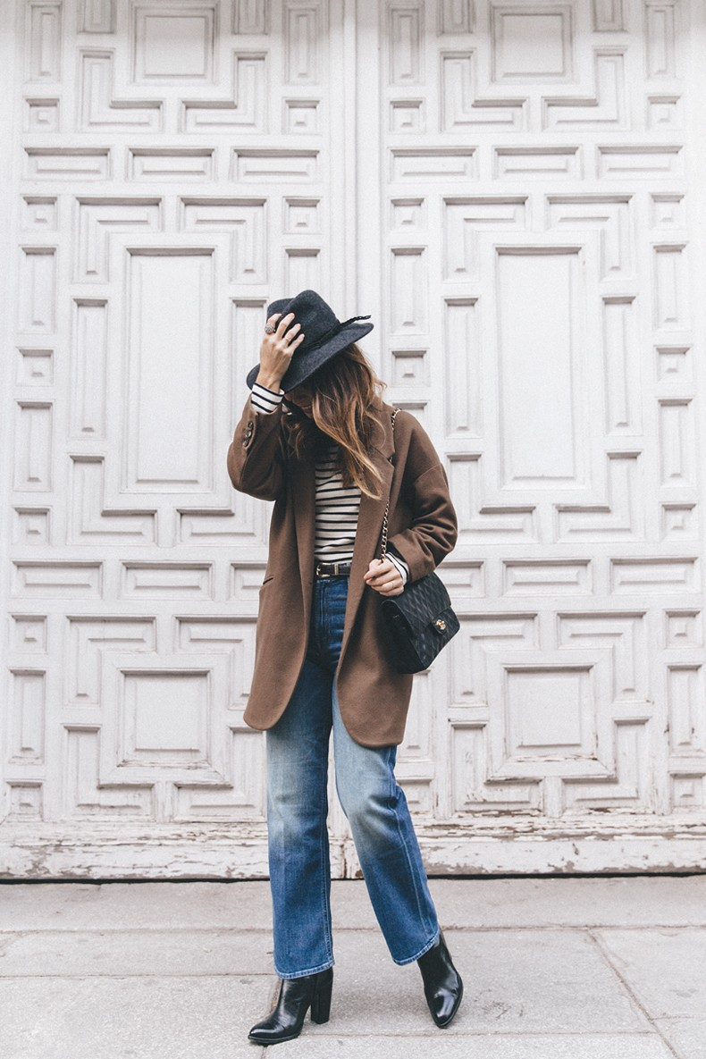 MotherDenim-Cropped_Jeans-Striped_Top-Grey_Hat-Camel_Coat-Black_Booties-Vintage_Belt-Outfit-Street_Style-29