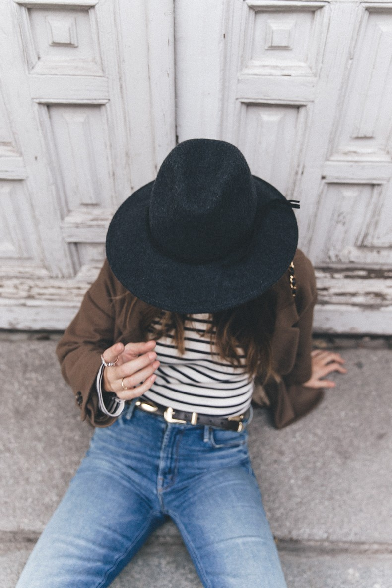 MotherDenim-Cropped_Jeans-Striped_Top-Grey_Hat-Camel_Coat-Black_Booties-Vintage_Belt-Outfit-Street_Style-46