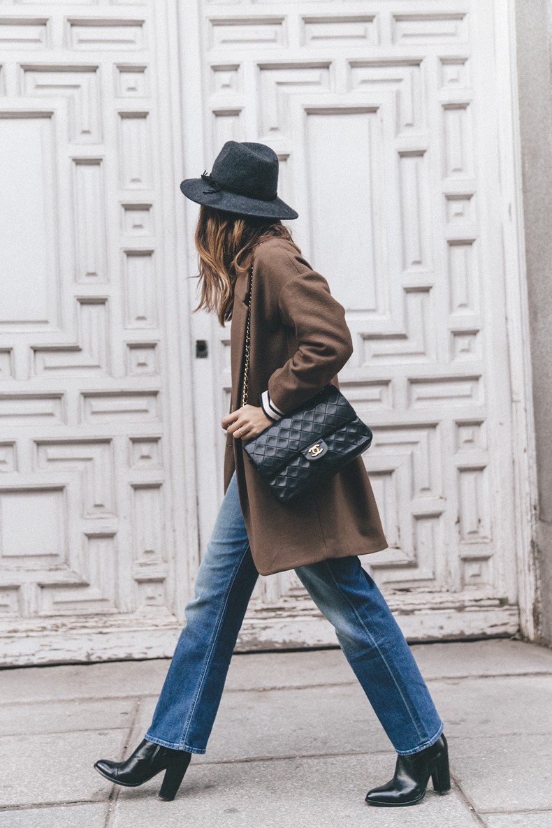 MotherDenim-Cropped_Jeans-Striped_Top-Grey_Hat-Camel_Coat-Black_Booties-Vintage_Belt-Outfit-Street_Style-50