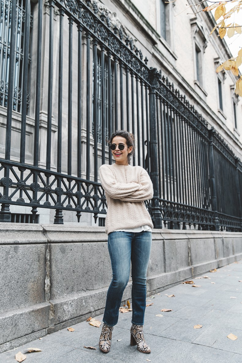 Patchwork_Coat-Faux_Fur_Coat-Asos-Mother_Jeans-Denim-Cable_Knit_Sweater-Snake_Effect_Booties-Topknot-Collage_Vintage-Street_Style-Outfit-33