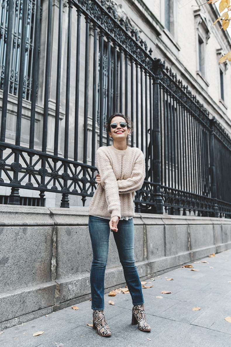 Patchwork_Coat-Faux_Fur_Coat-Asos-Mother_Jeans-Denim-Cable_Knit_Sweater-Snake_Effect_Booties-Topknot-Collage_Vintage-Street_Style-Outfit-34
