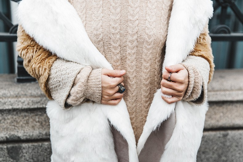 Patchwork_Coat-Faux_Fur_Coat-Asos-Mother_Jeans-Denim-Cable_Knit_Sweater-Snake_Effect_Booties-Topknot-Collage_Vintage-Street_Style-Outfit-46