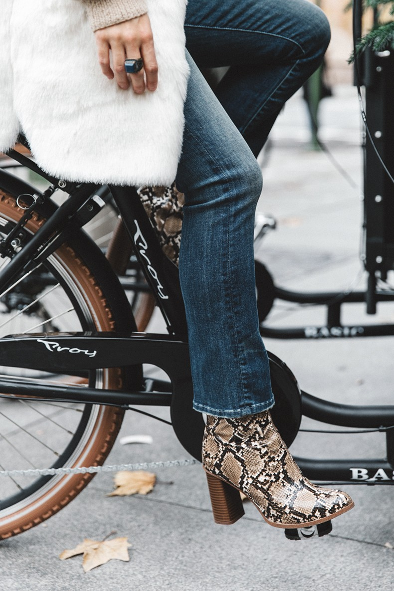 Patchwork_Coat-Faux_Fur_Coat-Asos-Mother_Jeans-Denim-Cable_Knit_Sweater-Snake_Effect_Booties-Topknot-Collage_Vintage-Street_Style-Outfit-6
