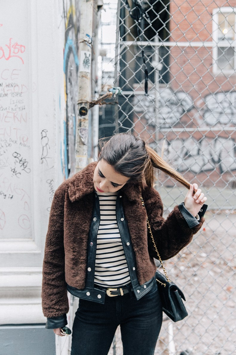Soho-NY-Faux_Fur_Jacket-Sandro-Levis-Ladies_in_Levis-Outfit-Striped-Top-Outfit-Street_Style-15