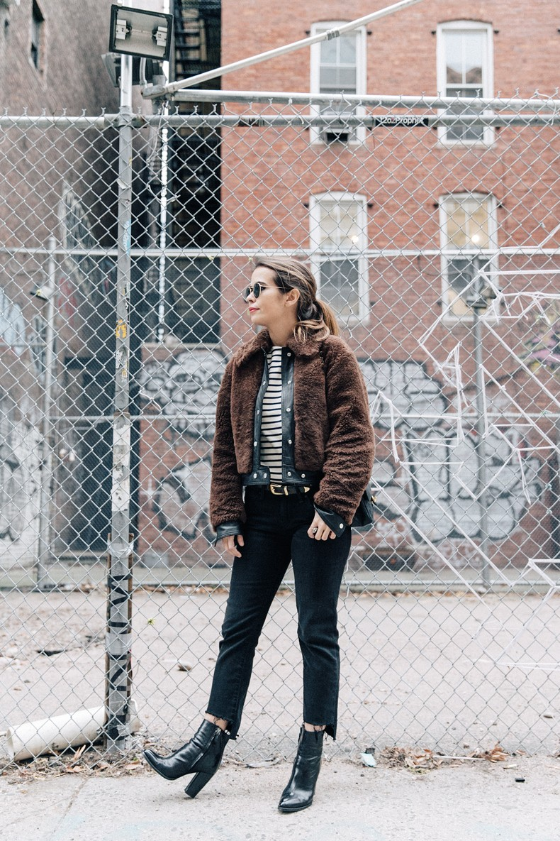 Soho-NY-Faux_Fur_Jacket-Sandro-Levis-Ladies_in_Levis-Outfit-Striped-Top-Outfit-Street_Style-31