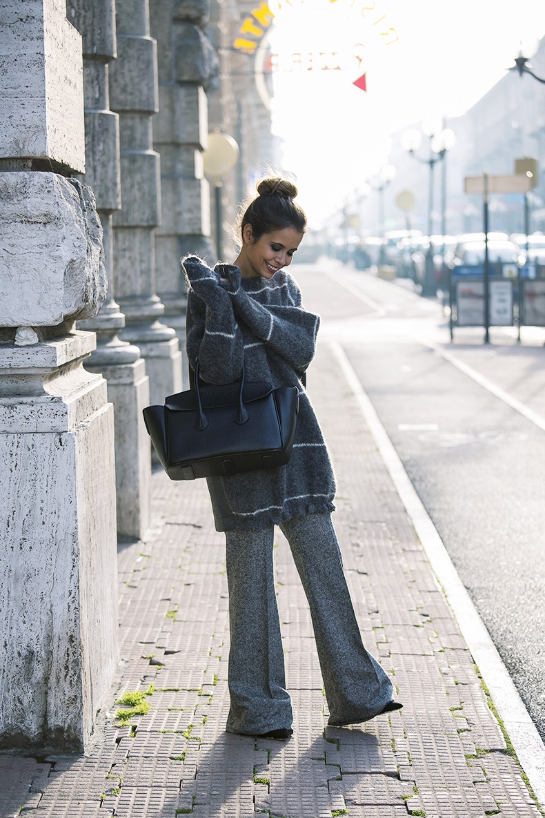 Stella_McCartney-N21_Sweater-Bally_Bag-Outfit-BrunaRosso-Cuneo-Topknot-Grey_Look-Collage_Vintage-Street_Style-4