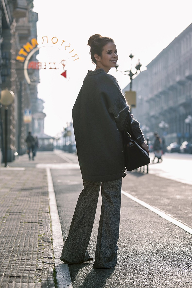 Stella_McCartney-N21_Sweater-Bally_Bag-Outfit-BrunaRosso-Cuneo-Topknot-Grey_Look-Collage_Vintage-Street_Style-9