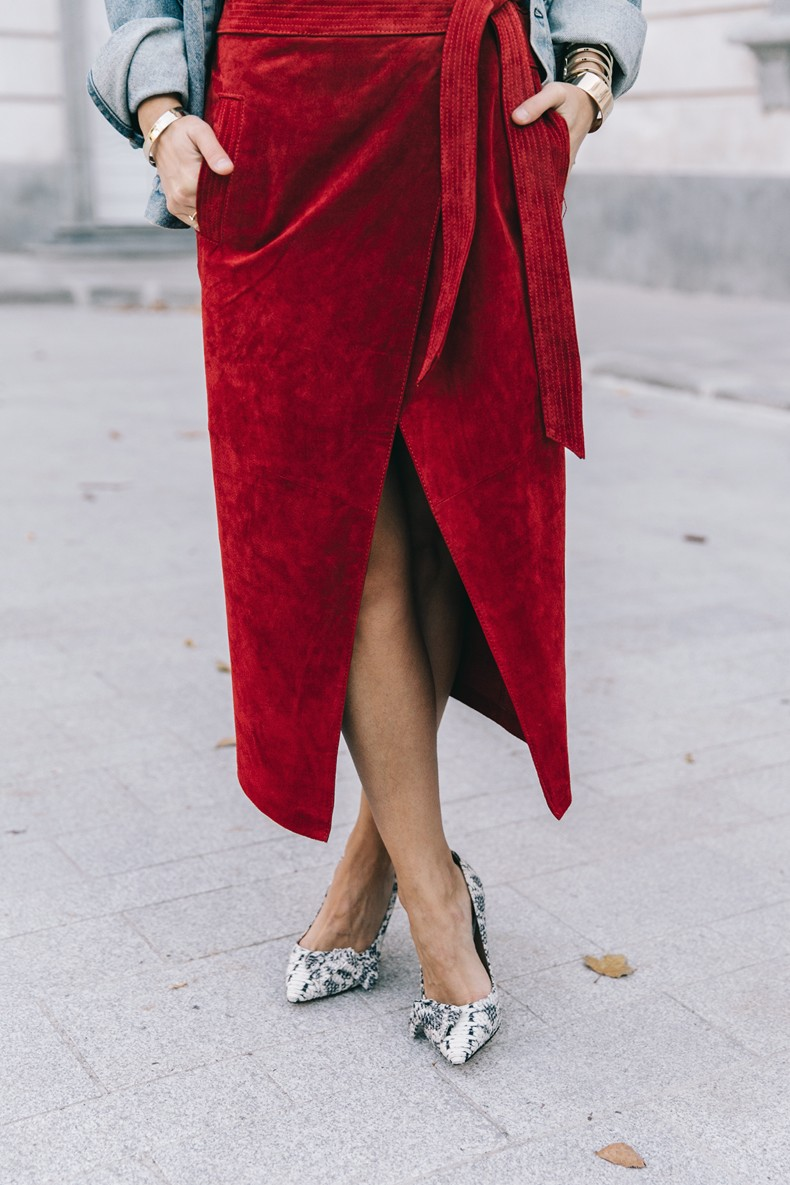 Wrap_Skirt-Red_Skirt-Suede-Levis_Vintage_Denim_Jacket-Isabel_Marant_Shoes-Printed_Pumps-Gold_Bracelets-Celine_Classic_Box-Hoop_Earrings-Topknot-Outfit-Street_Style-Vestiaire_Collective-35