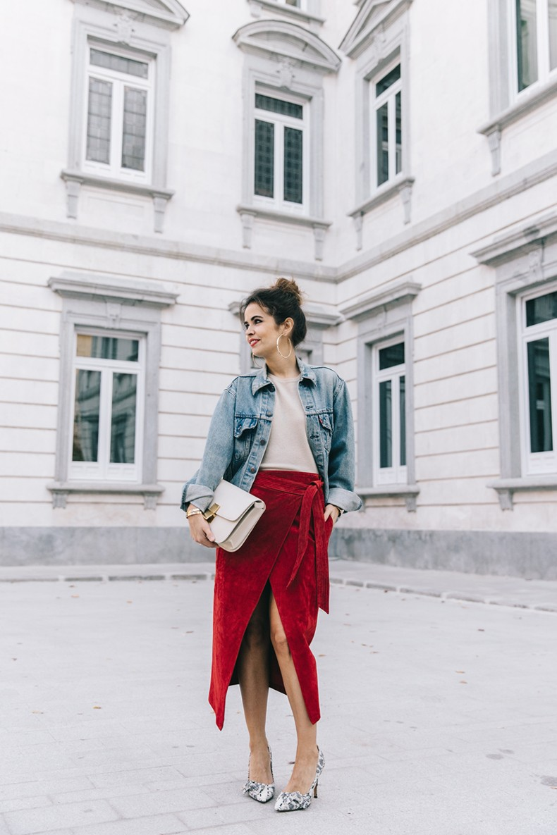 Wrap_Skirt-Red_Skirt-Suede-Levis_Vintage_Denim_Jacket-Isabel_Marant_Shoes-Printed_Pumps-Gold_Bracelets-Celine_Classic_Box-Hoop_Earrings-Topknot-Outfit-Street_Style-Vestiaire_Collective-42