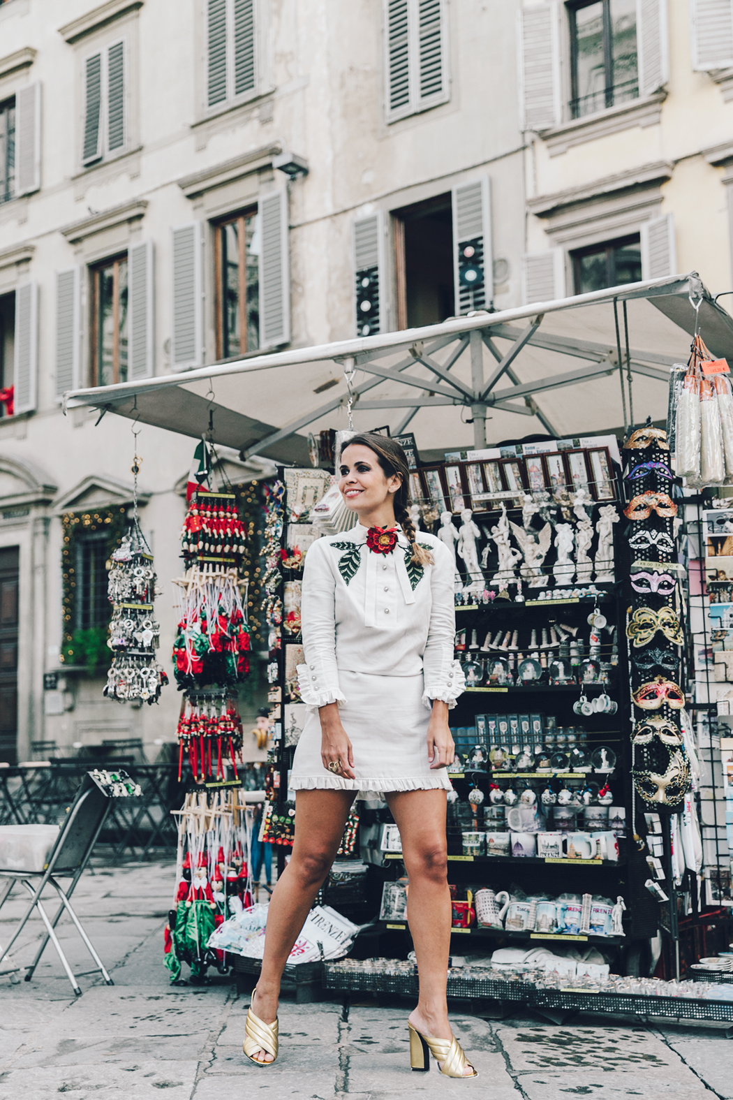 Firenze4Ever-Luisa_VIa_Roma-Gucci_White_Dress-Gucci_Gold_Sandals-Outfit-Florence-Street_Style-13