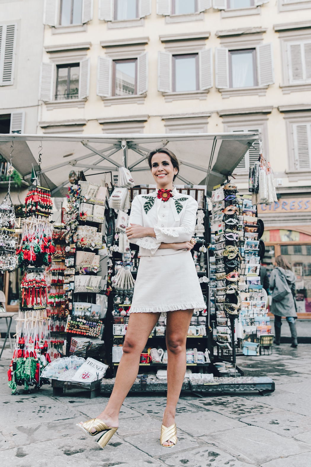 Firenze4Ever-Luisa_VIa_Roma-Gucci_White_Dress-Gucci_Gold_Sandals-Outfit-Florence-Street_Style-21