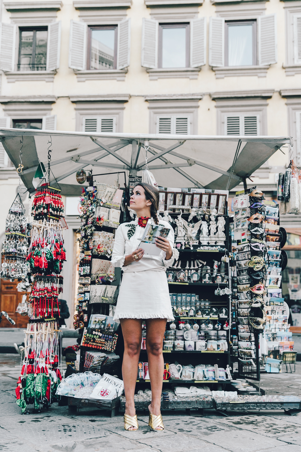 Firenze4Ever-Luisa_VIa_Roma-Gucci_White_Dress-Gucci_Gold_Sandals-Outfit-Florence-Street_Style-3