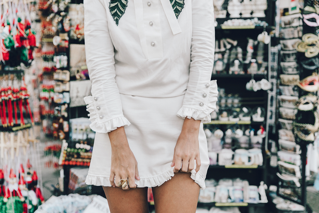 Firenze4Ever-Luisa_VIa_Roma-Gucci_White_Dress-Gucci_Gold_Sandals-Outfit-Florence-Street_Style-40
