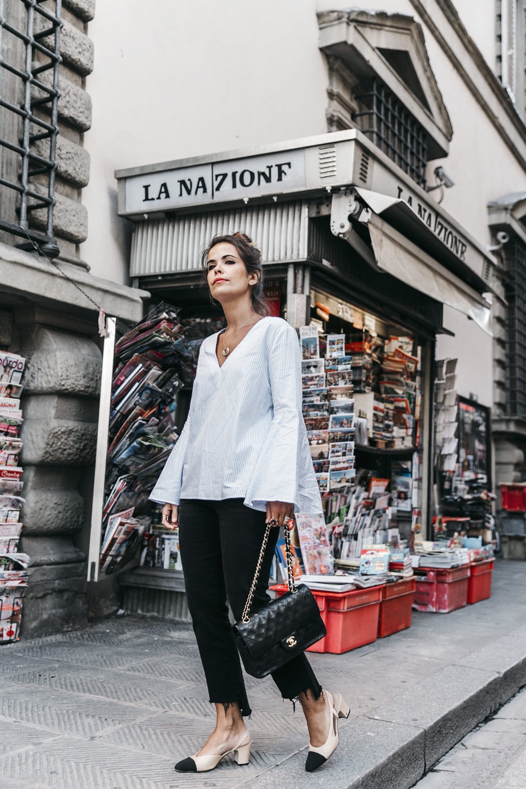 Florence-Collage_On_The_Road-Black_Jeans-Chanel_Slingback_Shoes-Blue_Shirt-Uterque-Topknot-Outfit-46