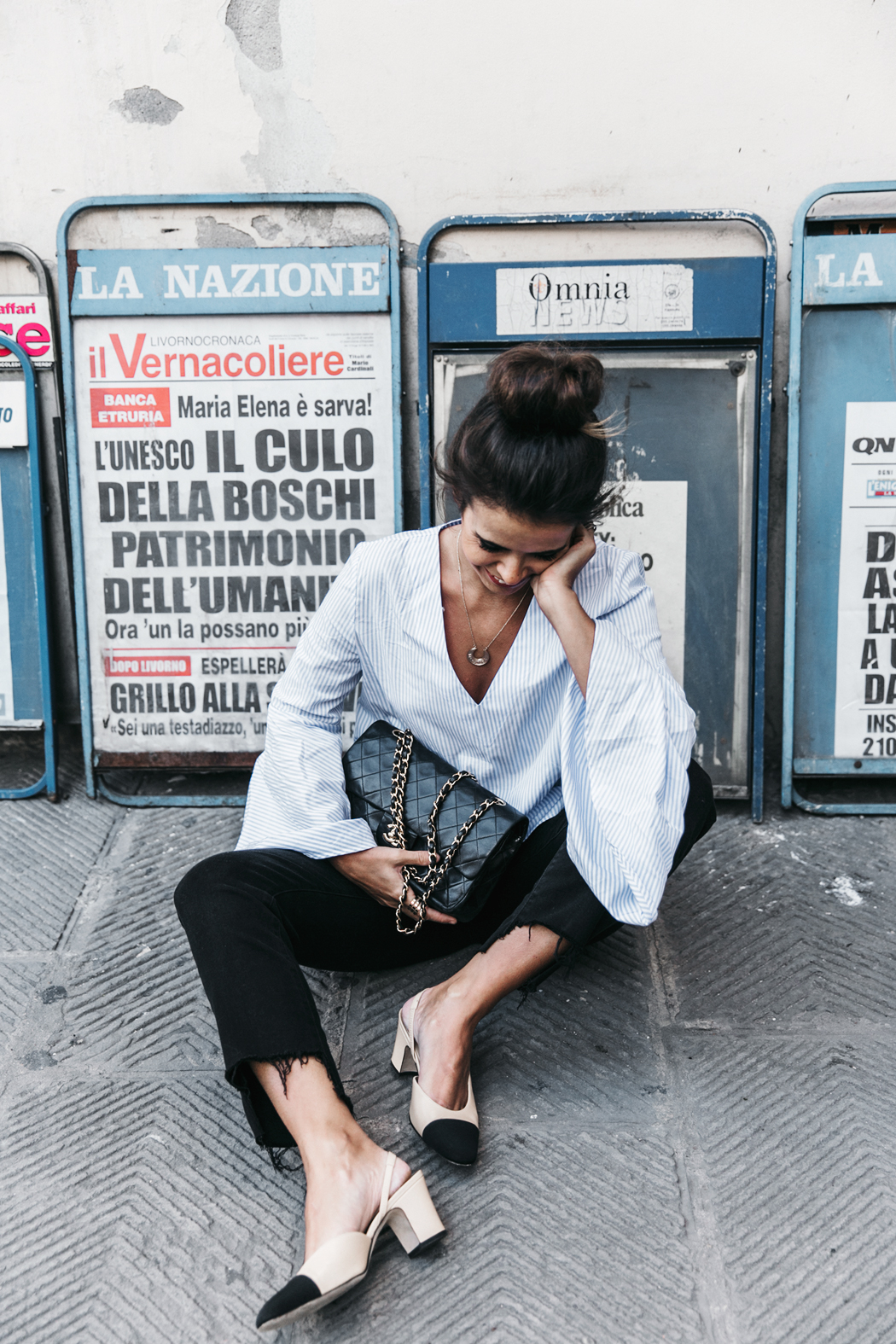 Florence-Collage_On_The_Road-Black_Jeans-Chanel_Slingback_Shoes-Blue_Shirt-Uterque-Topknot-Outfit-62