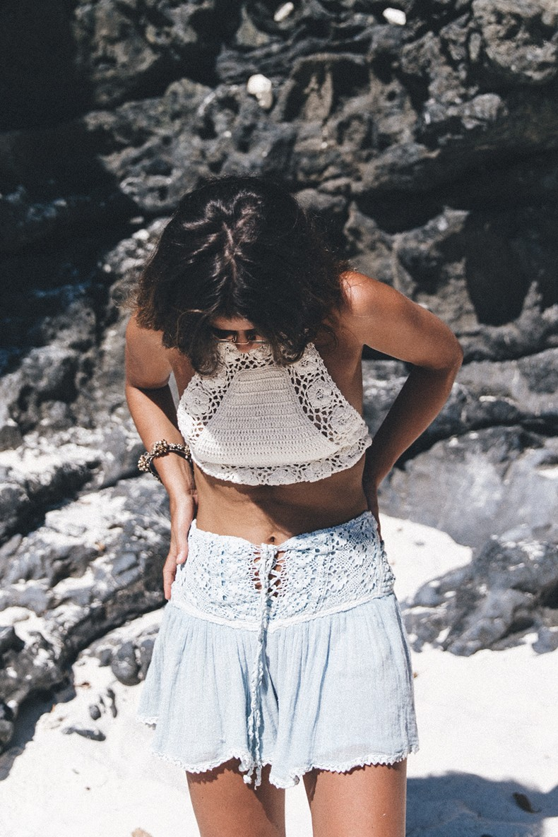 She_Made_Me-Crochet_Top-Light_Blue_Shorts-Summer_Look-Cropped_Top-Thailand-Outfit-4