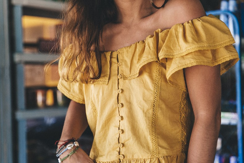 Thailand_Revolve_Clothing-Off_The_Shoulders_Top-Yellow_Shirt-Levis_Vintage-Backpack-Outfit-Street_Style-Beach_Loook-24