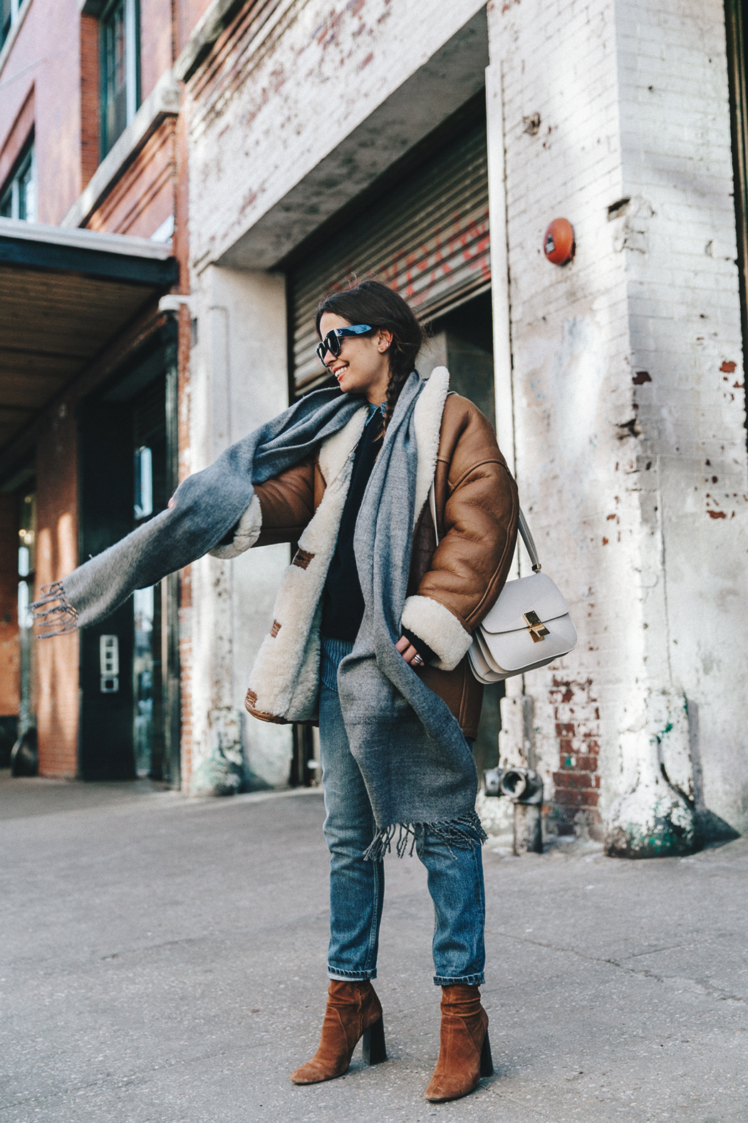 Denim_Lover-Topshop_Jeans-Vintage_Coat-Grey_Scarf-Brown_Booties-Navy_Sweayer-Denim_Shirt-Braids-NYFW-New_York_Fashion_Week-Street_style-Celine_Bag-Vestiaire_Collective-54