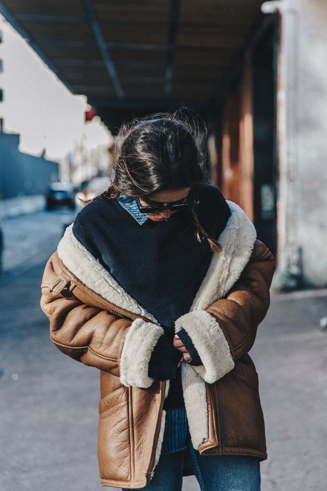 Denim_Lover-Topshop_Jeans-Vintage_Coat-Grey_Scarf-Brown_Booties-Navy_Sweayer-Denim_Shirt-Braids-NYFW-New_York_Fashion_Week-Street_style-Celine_Bag-Vestiaire_Collective-58