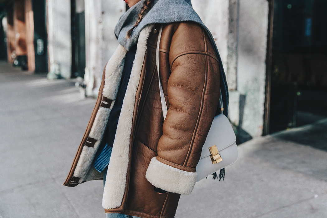 Denim_Lover-Topshop_Jeans-Vintage_Coat-Grey_Scarf-Brown_Booties-Navy_Sweayer-Denim_Shirt-Braids-NYFW-New_York_Fashion_Week-Street_style-Celine_Bag-Vestiaire_Collective-69