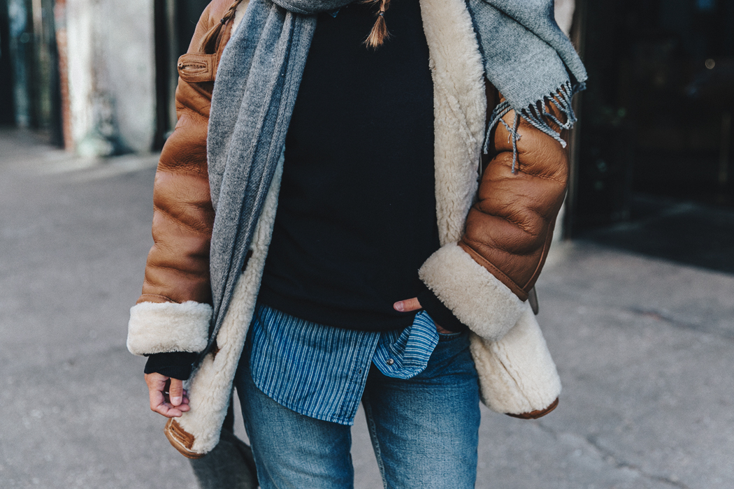 Denim_Lover-Topshop_Jeans-Vintage_Coat-Grey_Scarf-Brown_Booties-Navy_Sweayer-Denim_Shirt-Braids-NYFW-New_York_Fashion_Week-Street_style-Celine_Bag-Vestiaire_Collective-76