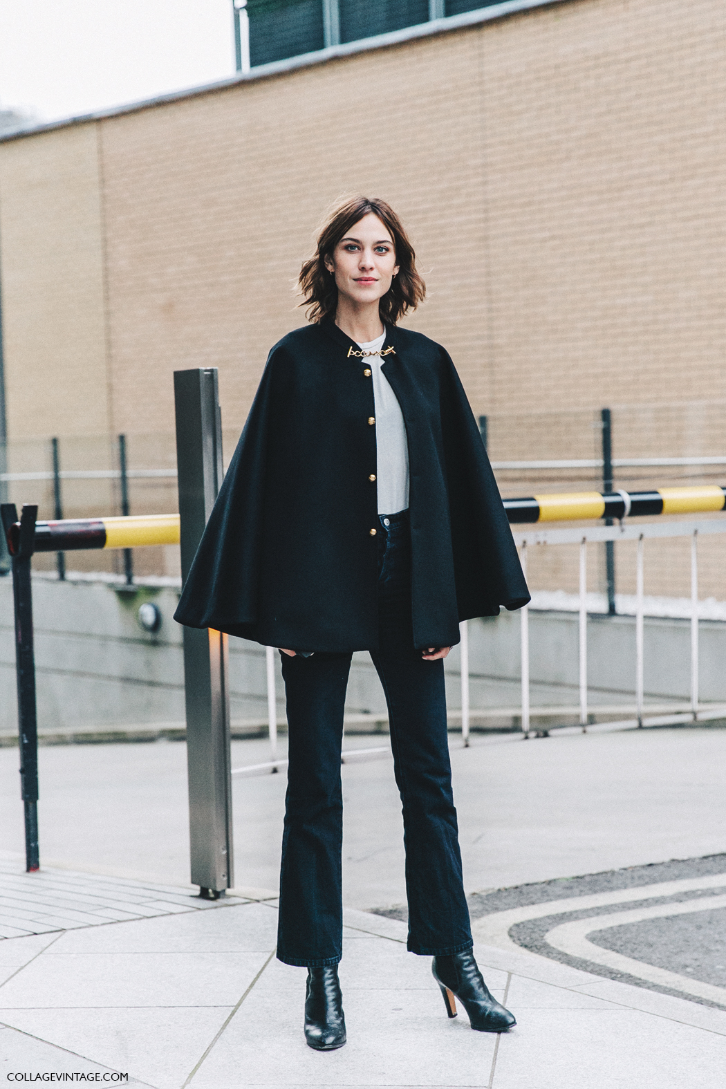 LFW-London_Fashion_Week_Fall_16-Street_Style-Collage_Vintage-Alexa_Chung-Black-Burberry-1