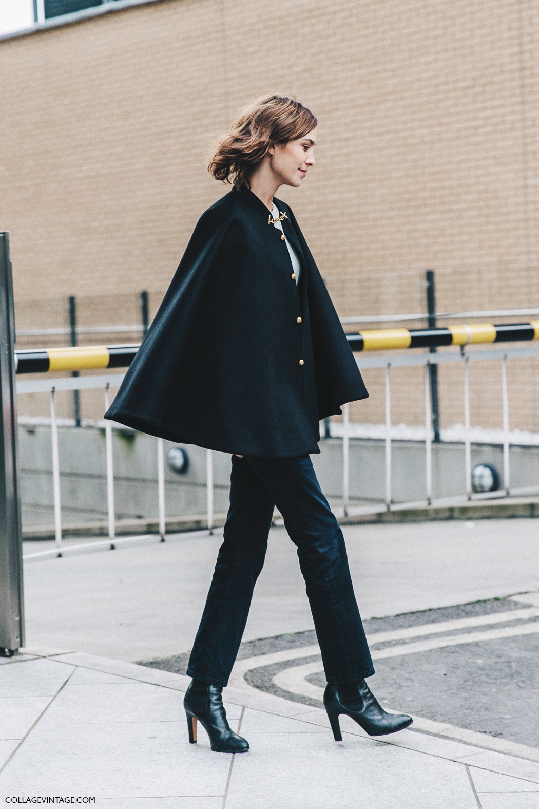 LFW-London_Fashion_Week_Fall_16-Street_Style-Collage_Vintage-Alexa_Chung-Black-Burberry-2