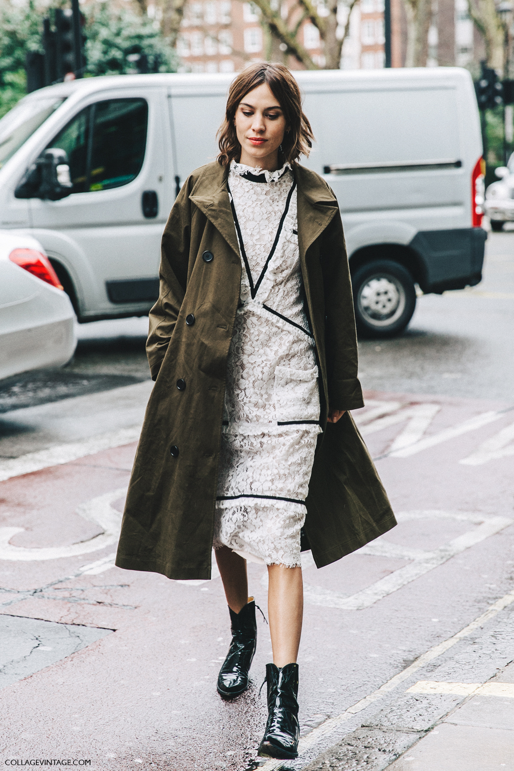 LFW-London_Fashion_Week_Fall_16-Street_Style-Collage_Vintage-Alexa_Chung-Trench_Coat-Cowboy_Boots-Erdem-Lace_Dress-1