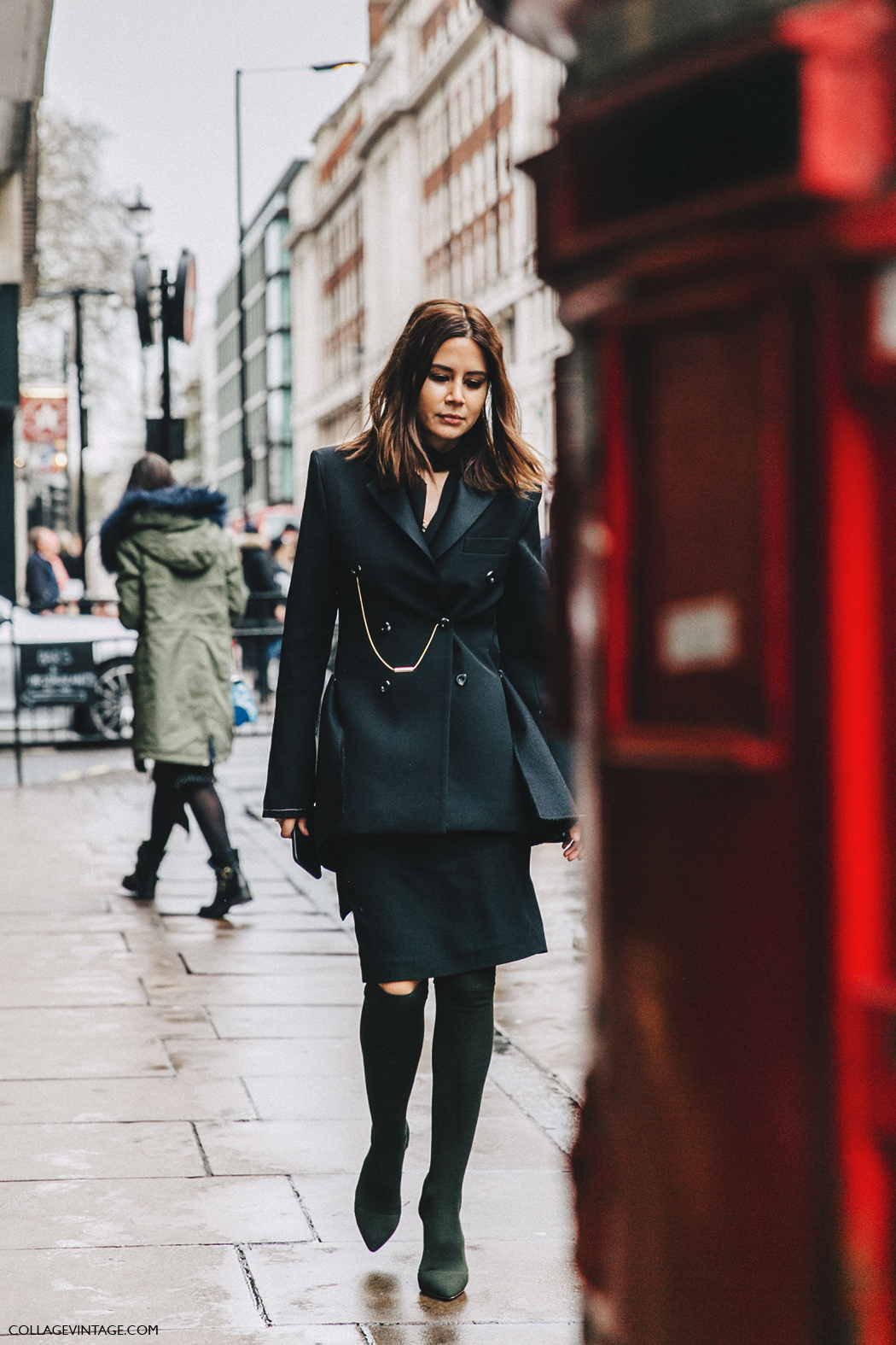 LFW-London_Fashion_Week_Fall_16-Street_Style-Collage_Vintage-Christine_Centenera-Black_Boots-1