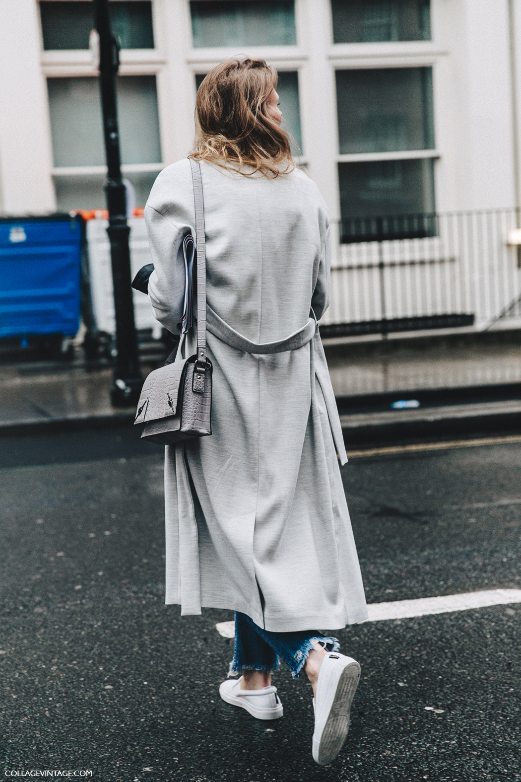 LFW-London_Fashion_Week_Fall_16-Street_Style-Collage_Vintage-Grey_coat-Maxi_Coat-White_Sneakers-2