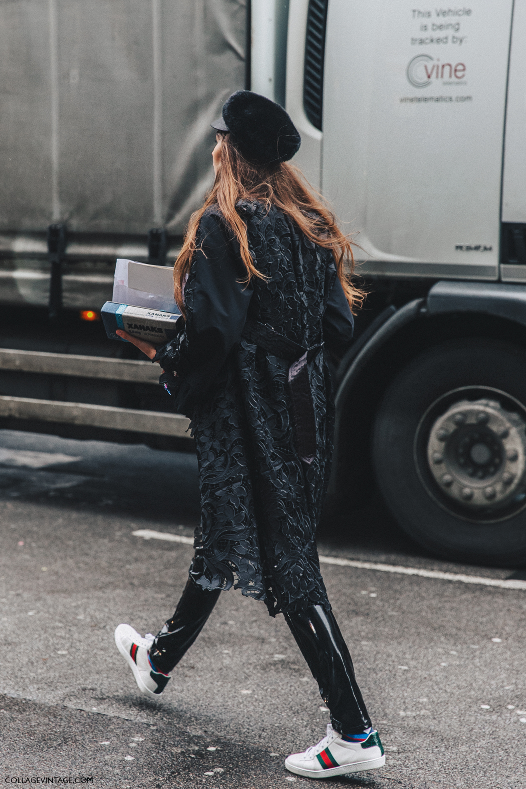 LFW-London_Fashion_Week_Fall_16-Street_Style-Collage_Vintage-Gucci-1