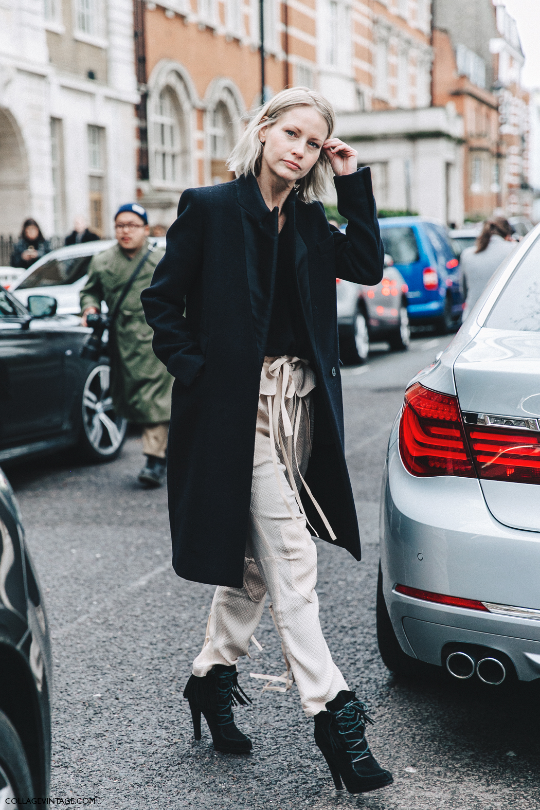 LFW-London_Fashion_Week_Fall_16-Street_Style-Collage_Vintage-Holly_Rogers-Baggy_Trousers-