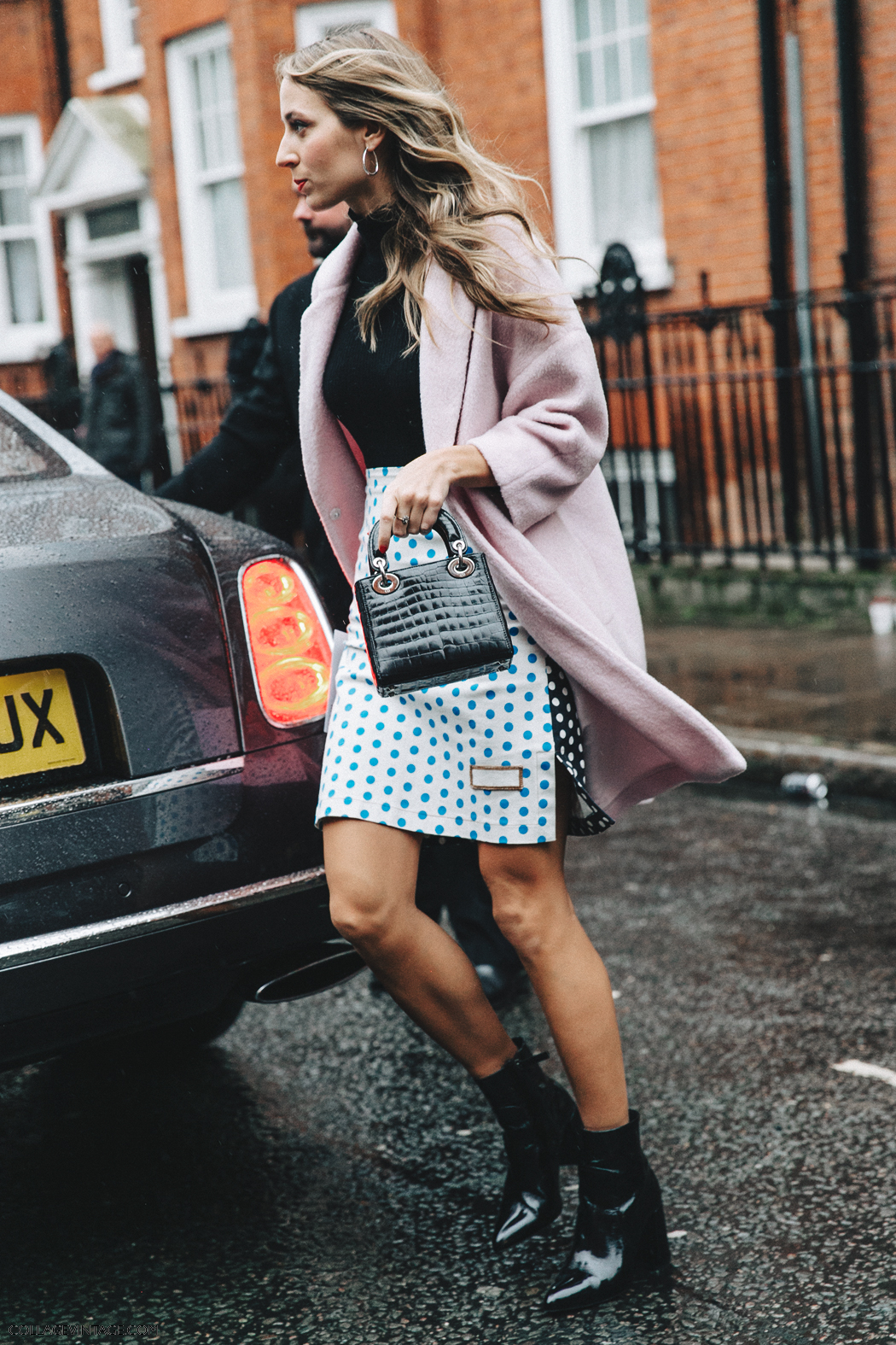 LFW-London_Fashion_Week_Fall_16-Street_Style-Collage_Vintage-JW_Anderson-1