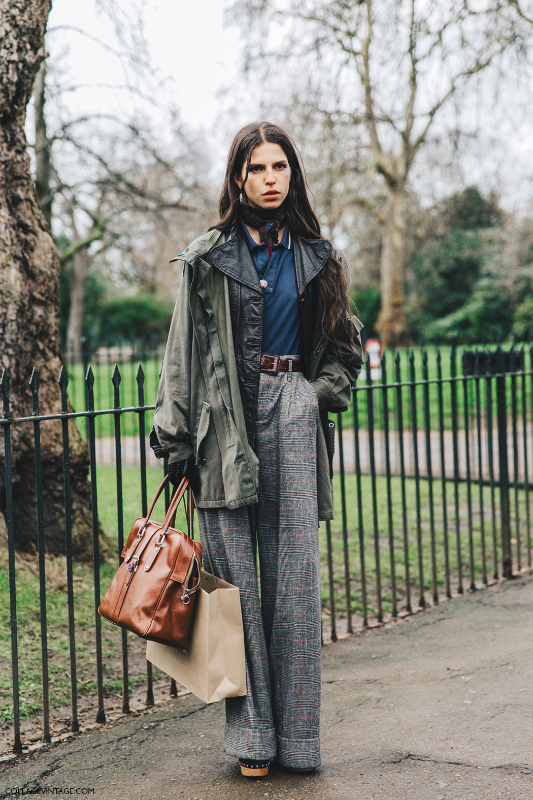 LFW-London_Fashion_Week_Fall_16-Street_Style-Collage_Vintage-Model-Burberry-Tweed_Trousers-Parka-5