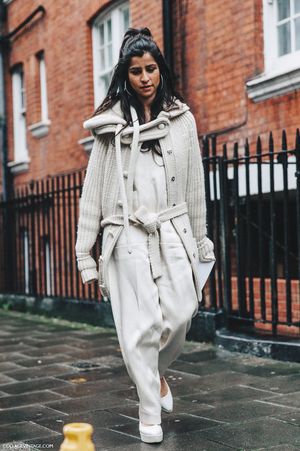 LFW-London_Fashion_Week_Fall_16-Street_Style-Collage_Vintage-Nude_Outfit-Big_Hoops-Knit-Jumpsuit-1
