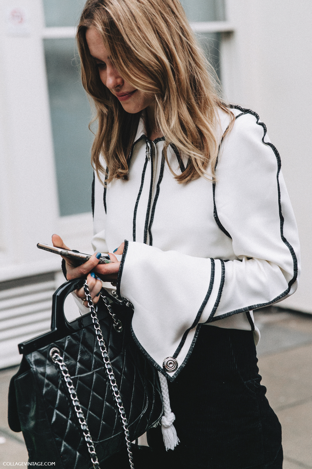 LFW-London_Fashion_Week_Fall_16-Street_Style-Collage_Vintage-Pernille_Teisbaek-JW_Anderson-Black_And_White-Big_Sleeves-Chanel_Bag-8