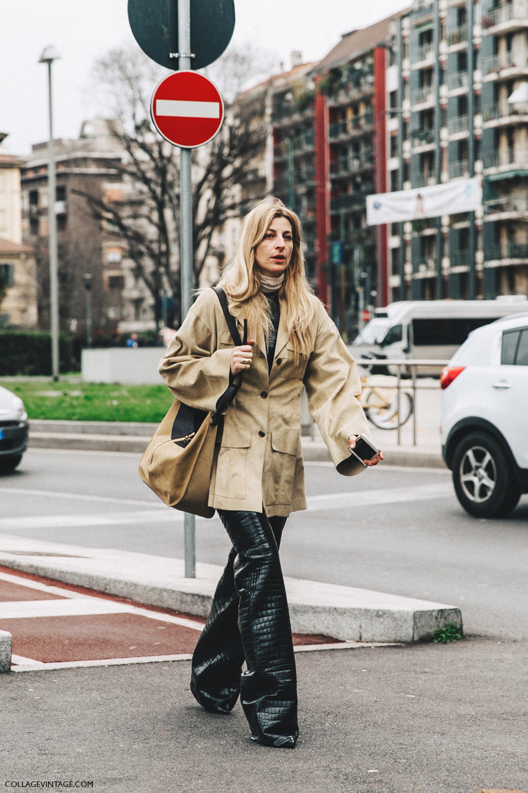 Milan_Fashion_Week_Fall_16-MFW-Street_Style-Collage_Vintage-Ada_kokosar-Leather_trousers-5