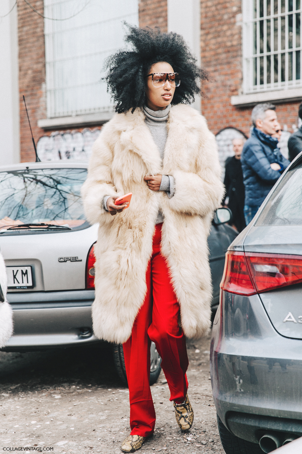 Milan_Fashion_Week_Fall_16-MFW-Street_Style-Collage_Vintage-Julia_Sarr_Jamois-Red_Trousers-Fur_Coat-Turtleneck_Sweater-1