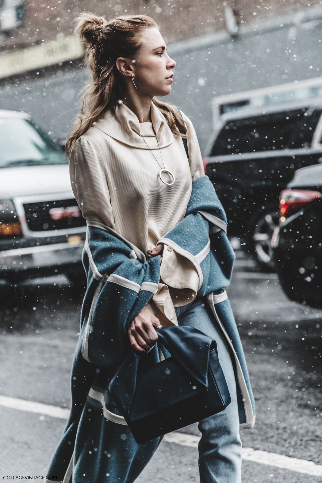 NYFW-New_York_Fashion_Week-Fall_Winter-17-Street_Style-Chloe_Cape-JW_Anderson_Bag-Celine_Shoes-Courtney_trop-