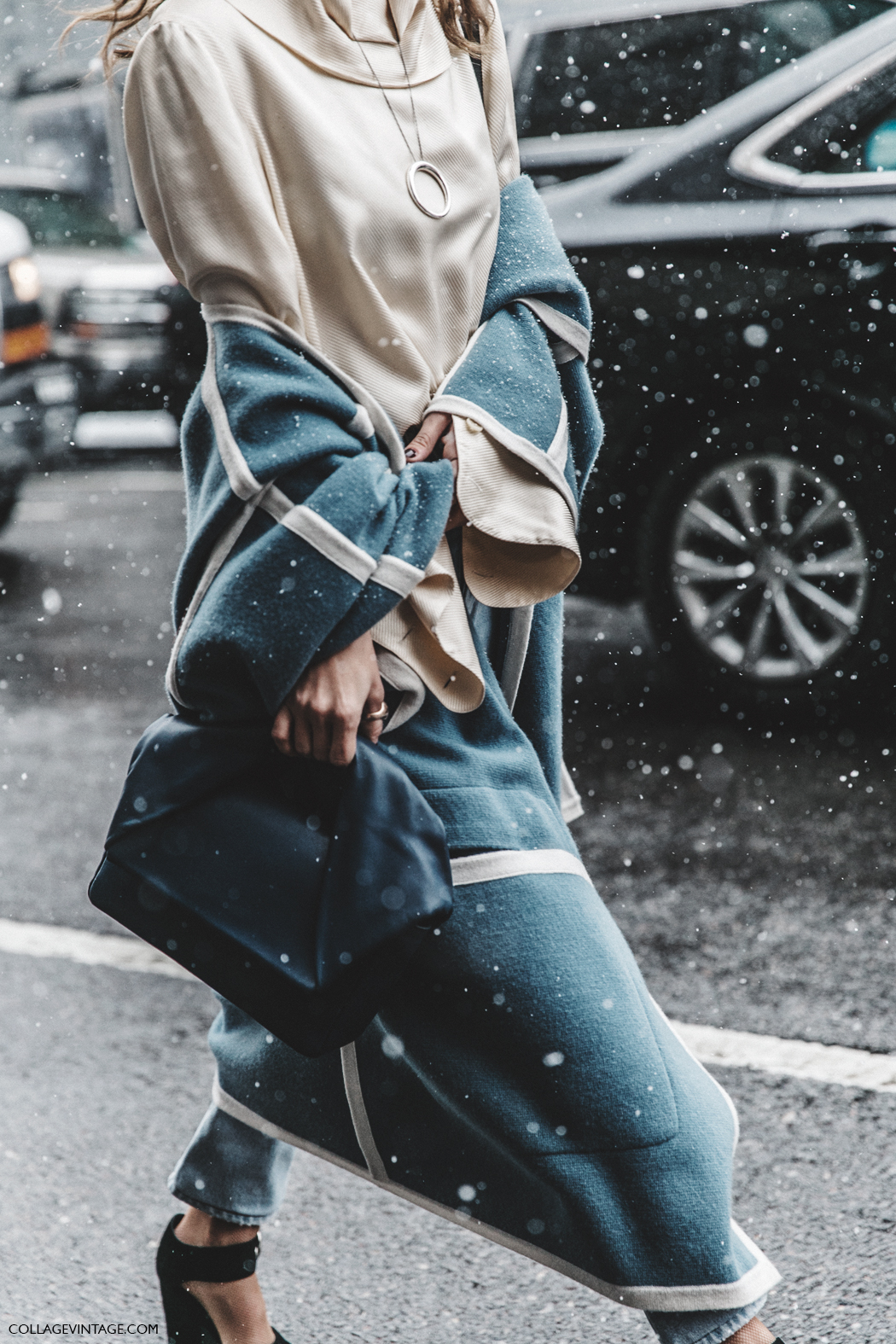 NYFW-New_York_Fashion_Week-Fall_Winter-17-Street_Style-Chloe_Cape-JW_Anderson_Bag-Celine_Shoes-Courtney_trop-1